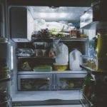 zapach w lodówce