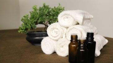 Olejki i ręczniki.
