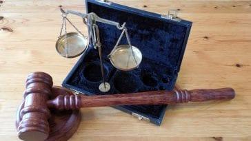 Symbole prawne.